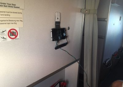 smartphone-halter-flugzeug